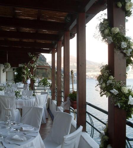 Allestimento floreale ristorante sul mare - Sassari